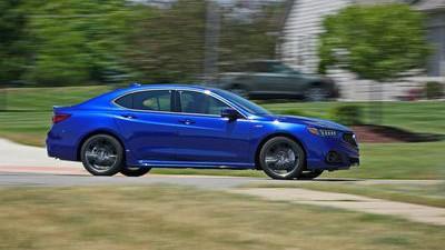 Обновленный седан 2018 Acura TLX