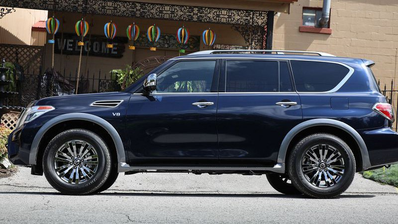 Обновленный внедорожник 2018 Nissan Armada