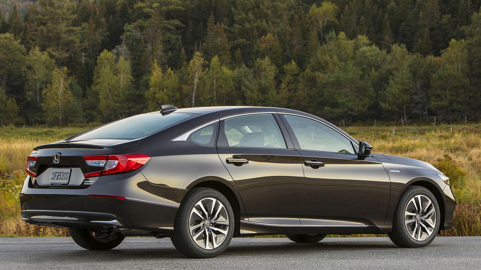 Новый седан 2018 Honda Accord десятого поколения