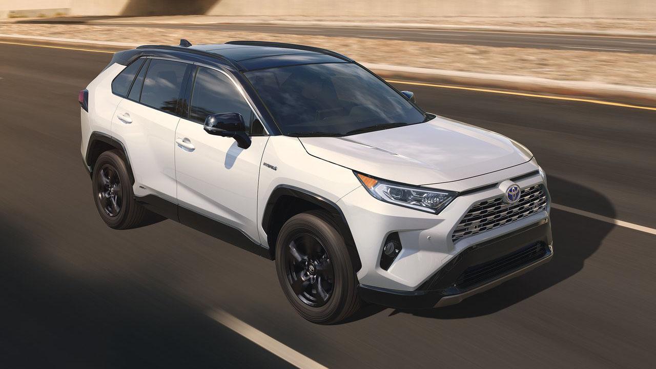 Новый кроссовер 2019 Toyota RAV4 пятого поколения