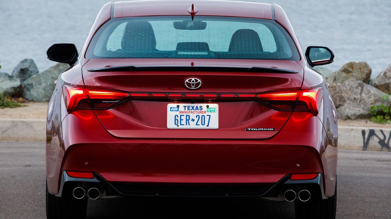 Новый седан 2019 Toyota Avalon 5-го поколения