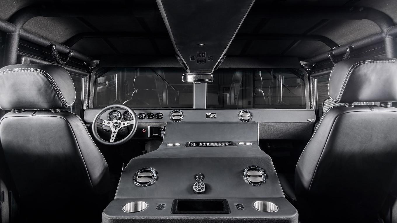 Тюнинг гражданского внедорожника 2018 Hummer H1 за 14 000 000 рублей