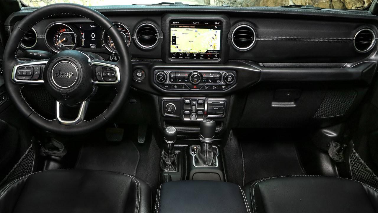 Новый американский внедорожник 2018 Jeep Wrangler Unlimited 4-го поколения