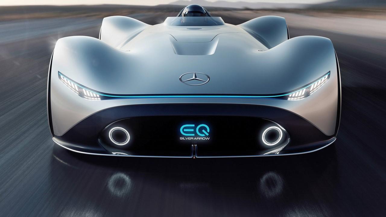 Mercedes представил новый концепт на Pebble Beach в Калифорнии 2018 Mercedes-Benz Vision EQ Silver Arrow Concept