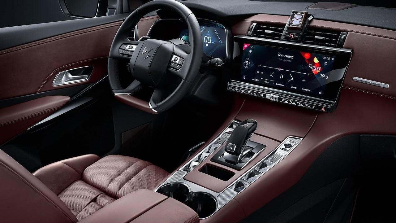 DS Automobiles представила новый гибридный кроссовер 2019 DS 7 Crossback E-Tense 4x4