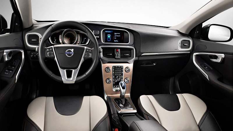 Обновленный универсал от немцев 2019 Volvo V40 Cross Country (Вольво В40 Кросс Кантри)