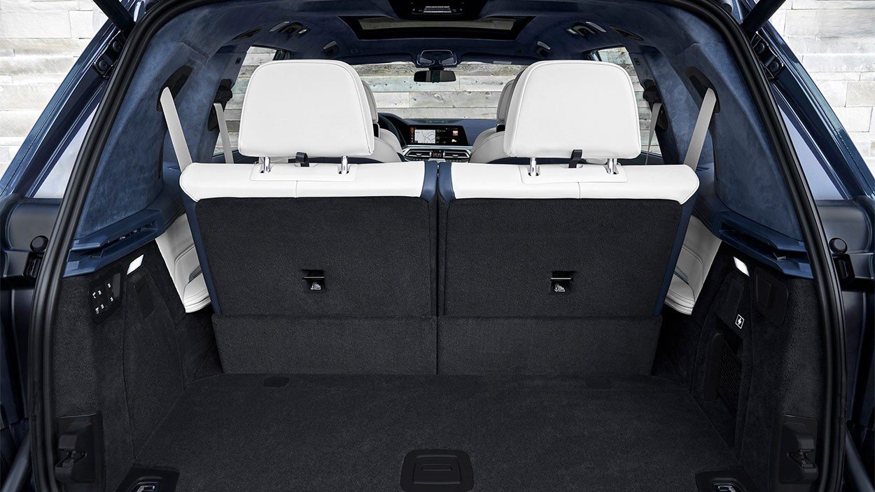 2019 BMW X7 багажное отделение