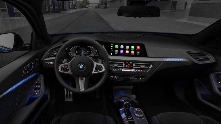 Novyj 2019 BMV 1-j serii (BMW M135i xDrive) foto, inter'er, salon, obzor