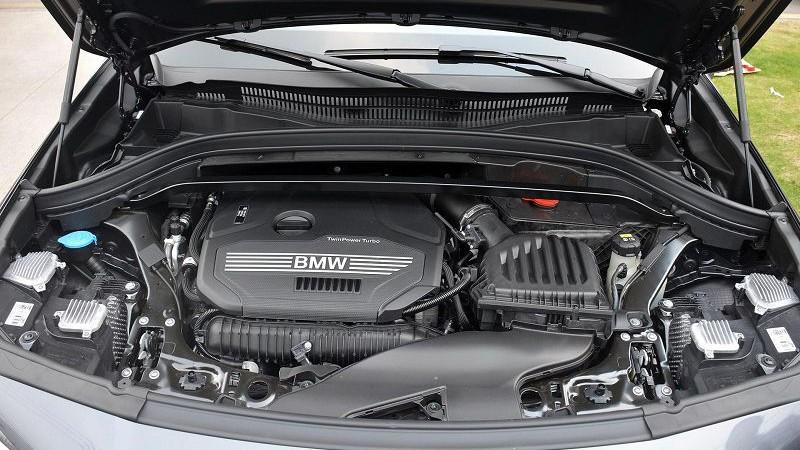 2020 BMW X2 foto, dvigatel', motor, cena, data vyhoda — video