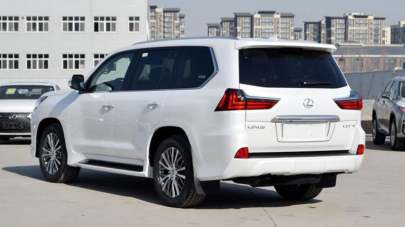 Lexus LX 2020 foto, jekster'er, vid szadi, obzor, tehnicheskie harakteristiki, cena, data vyhoda — video