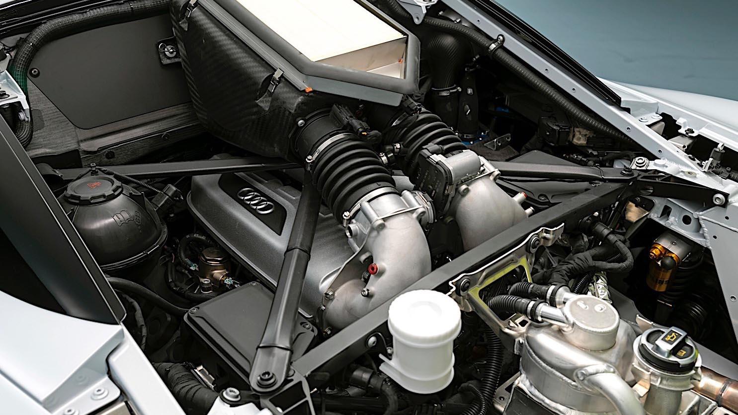 2020 Audi R8 LMS GT2 двигатель