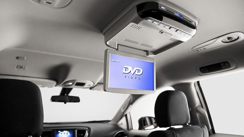 2019 Chrysler Voyager foto, inter'er, komplektacija, tehnicheskie harakteristiki, cena, data vyhoda — video