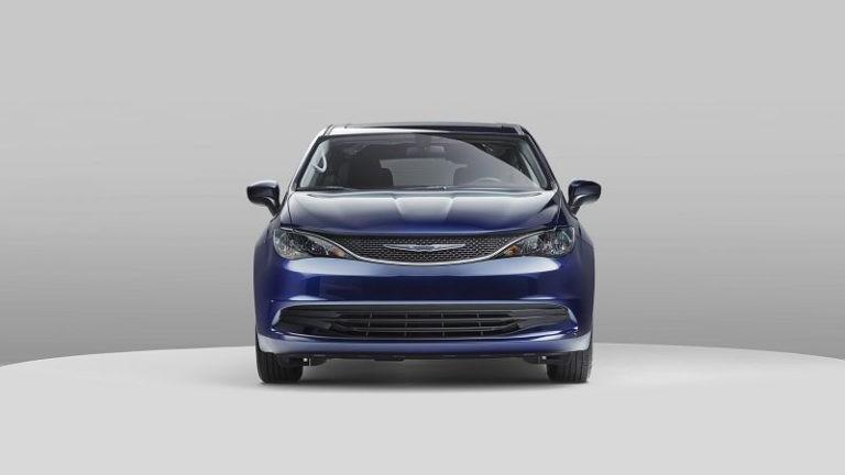 2019 Chrysler Voyager foto, jekster'er, vid speredi, tehnicheskie harakteristiki, cena, data vyhoda — video