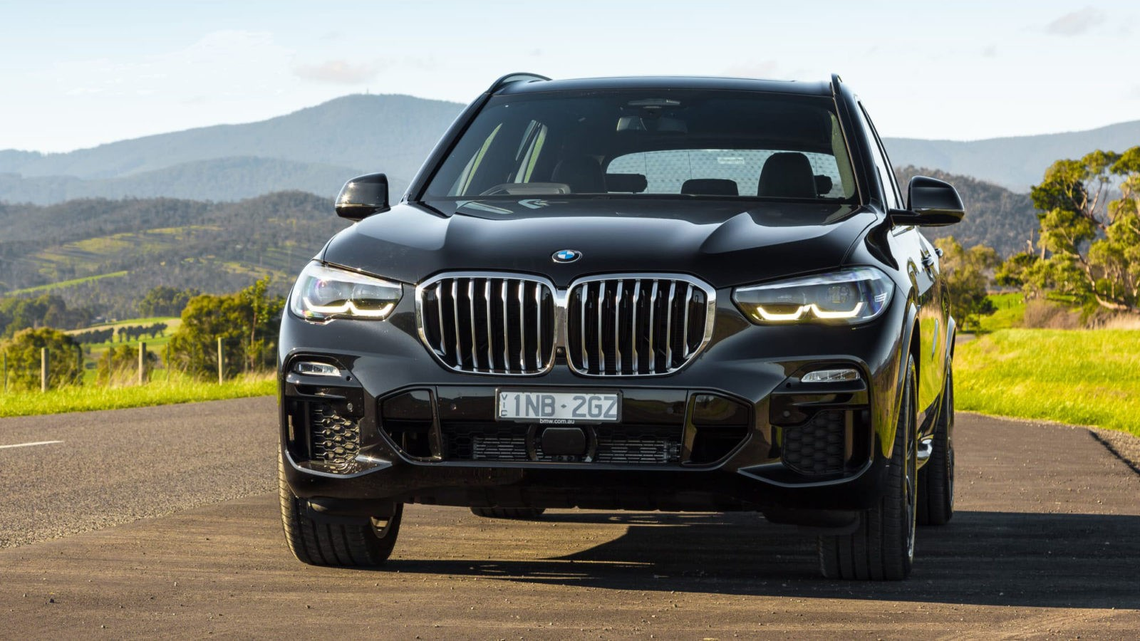 BMW X5 2020: foto, tehnicheskie harakteristiki, cena, jekster'er, vid speredi