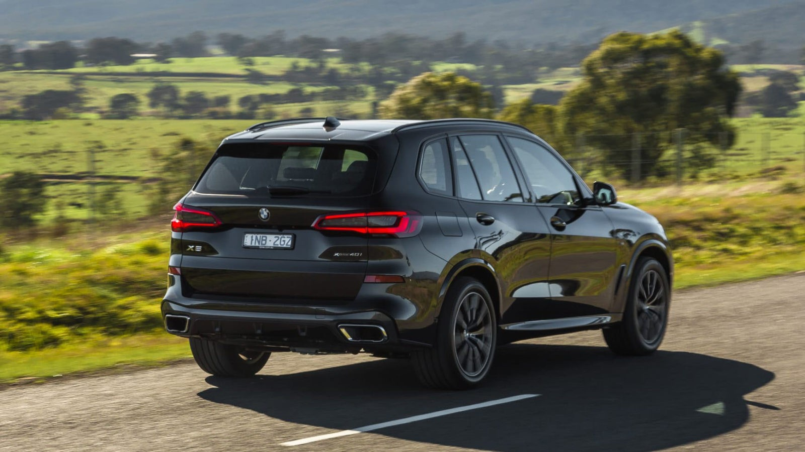 Novyj 2020 BMW X5: foto, tehnicheskie harakteristiki, cena, jekster'er, vid szadi