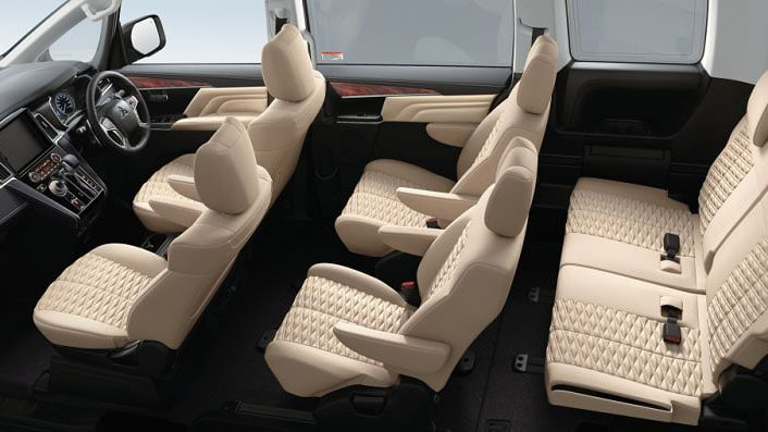 Mitsubishi Delica 2020 интерьер, салон, обзор