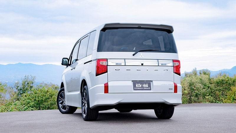 Mitsubishi Delica 2020 обзор, технические характеристики, вид сзади, экстерьер