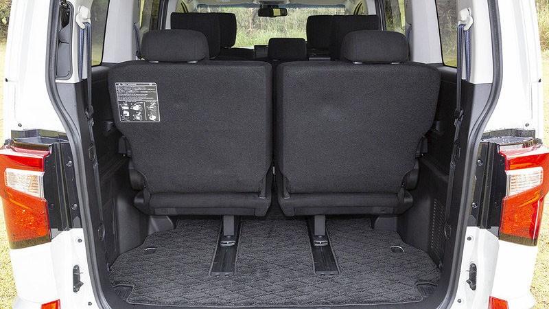 Mitsubishi Delica 2020 багажное отделение