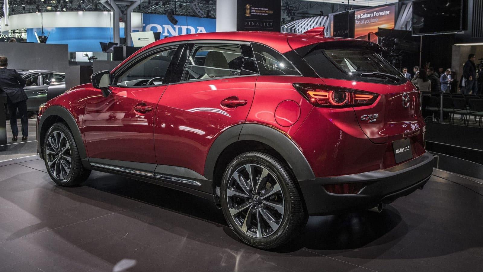 Экстерьер Mazda CX-3 2021