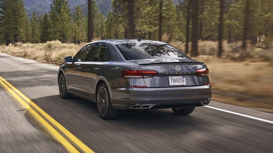 Volkswagen Passat 2020 model'nogo goda - obzor, cena v rossii