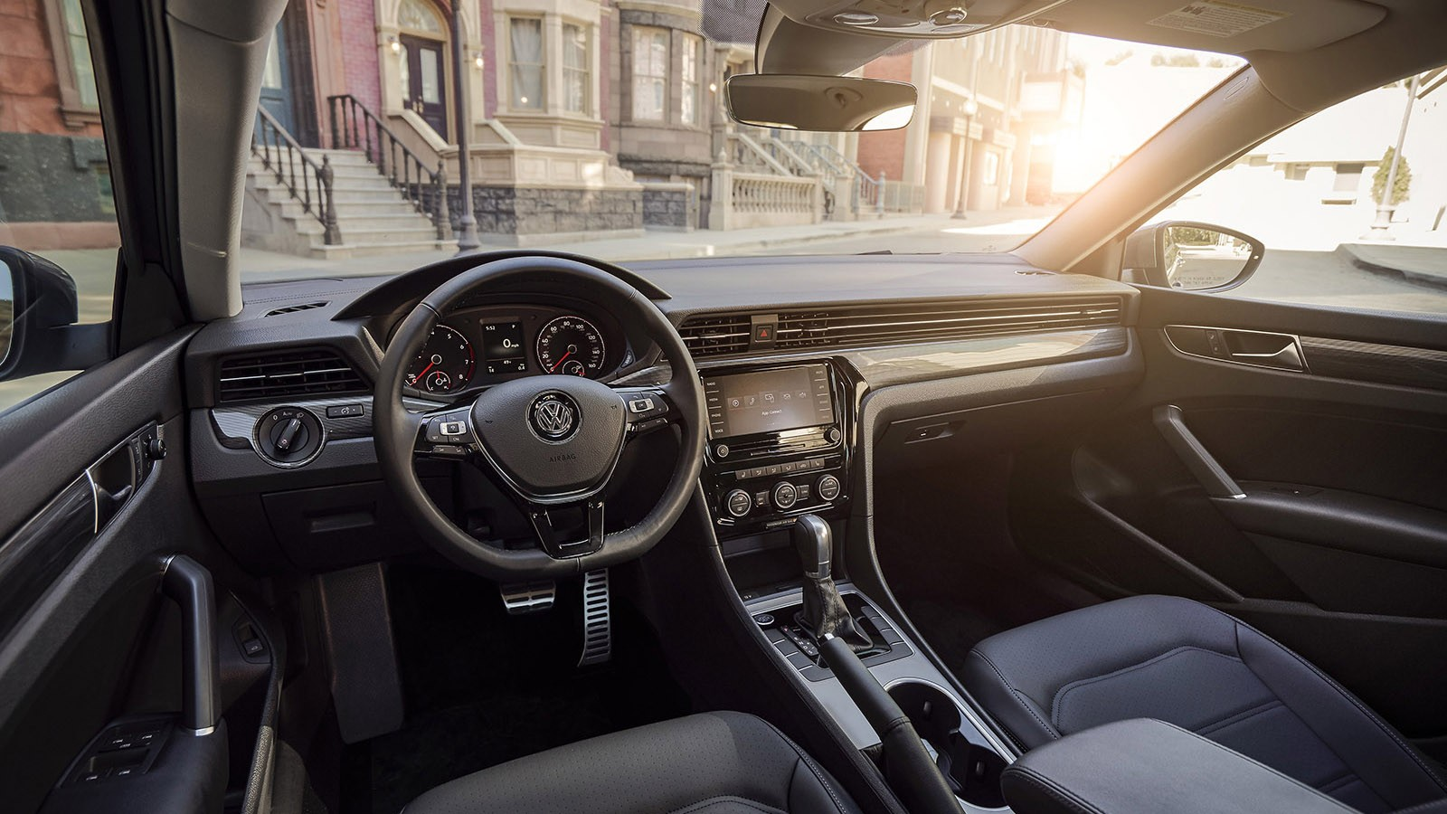 Volkswagen Passat 2020 model'nogo goda - obzor, inter'er, cena v rossii