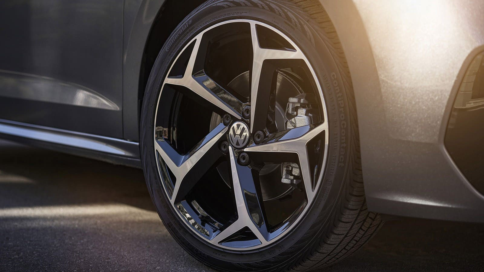 Volkswagen Passat 2020 model'nogo goda - obzor, kolesa, diski, cena v rossii