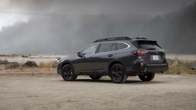 Novyj Subaru Autbjek 2020 (Subaru Outback) foto, tehnicheskie harakteristiki, cena, vid szadi