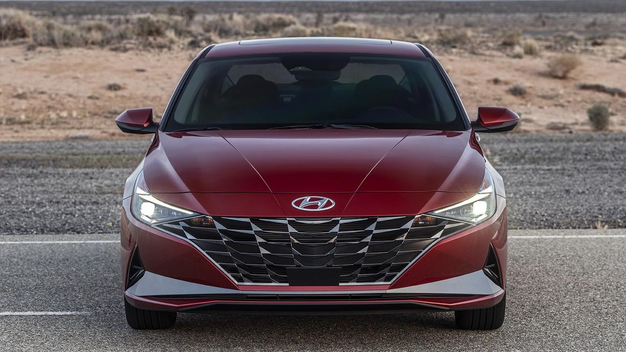 Хендай Элантра 2021 (Hyundai Elantra)-1