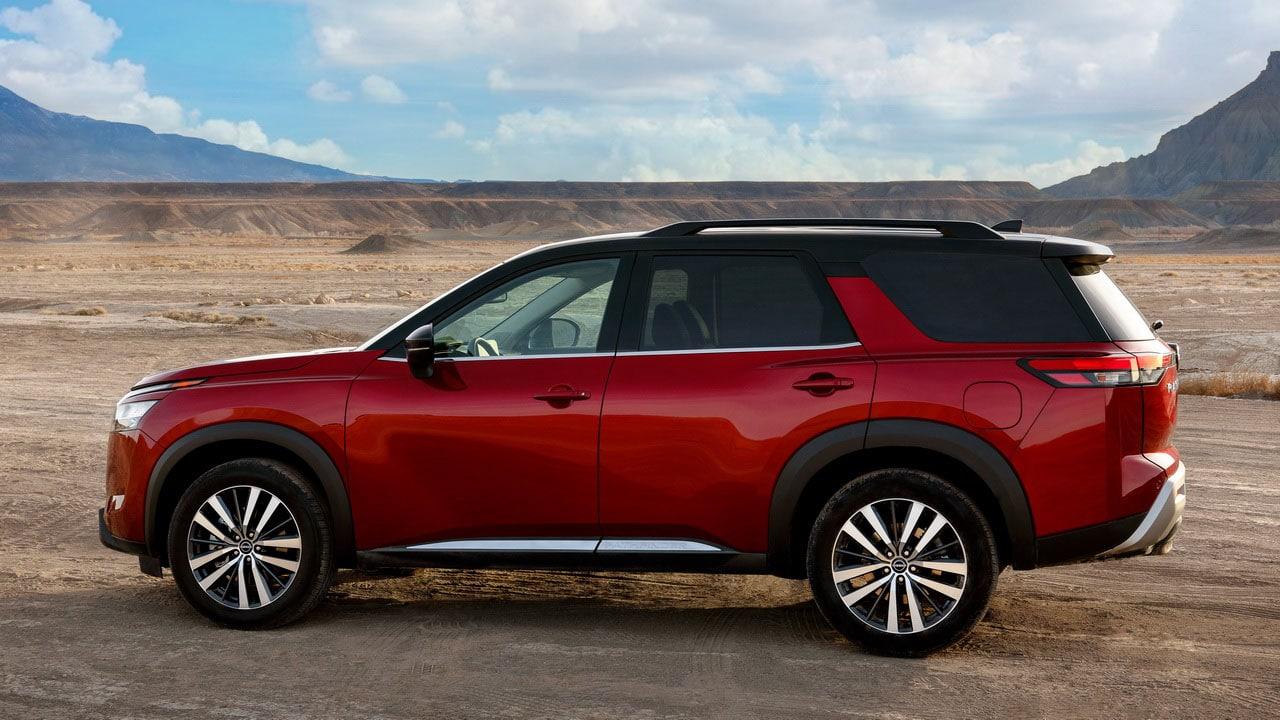 Новый Nissan Pathfinder 2021 (Ниссан Патфайндер) вид сбоку