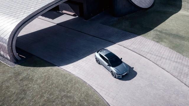 Новый Kia EV6 GT (Вид сверху)