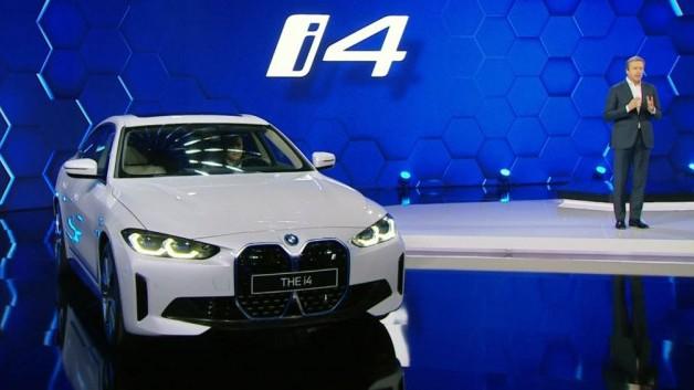 Оливер Ципзе с новым BMW i4