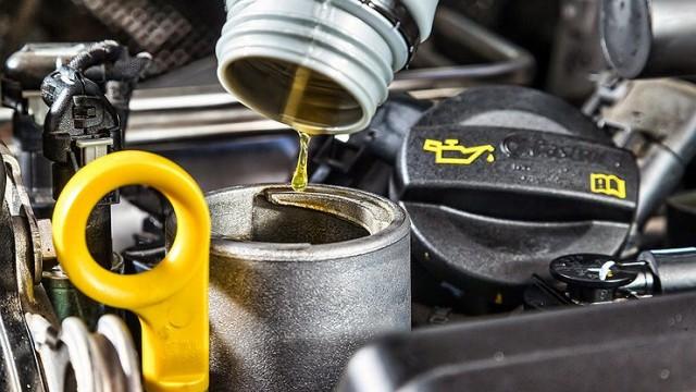 Замена масла в двигателе после зимы