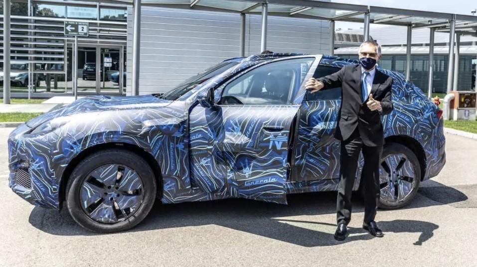 новый кроссовер Maserati Grecale фото