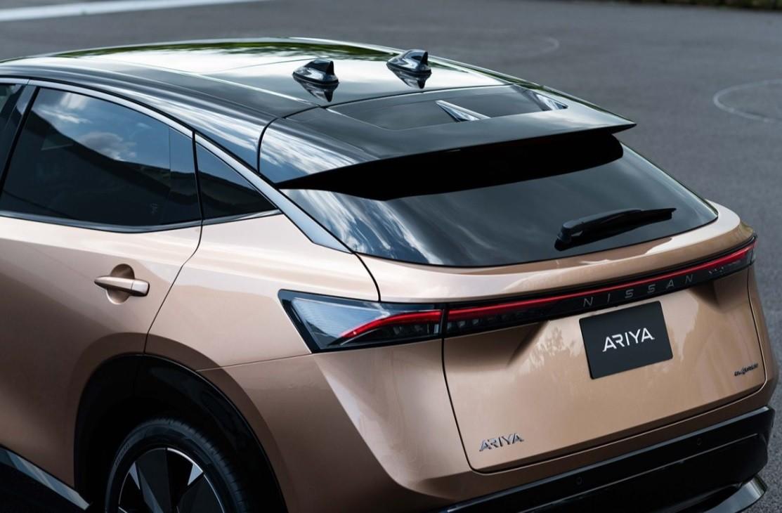новый кроссовер Nissan Ariya