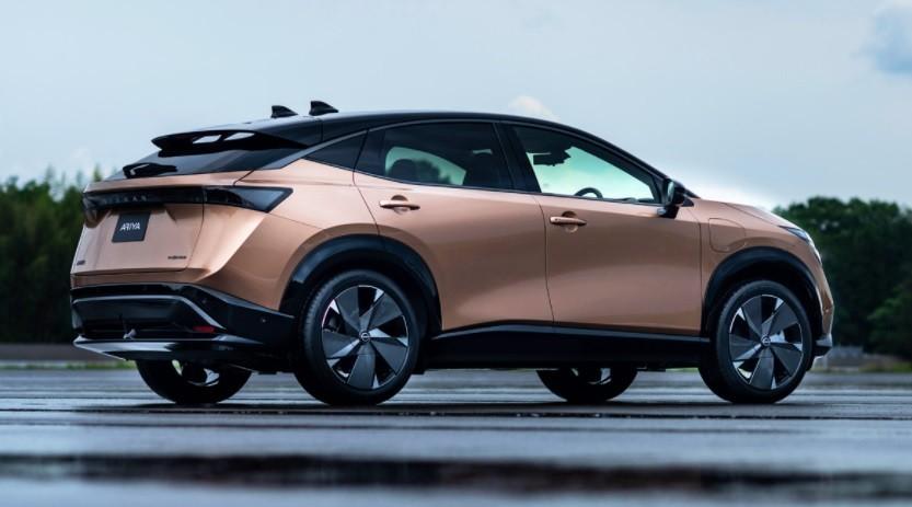 новый Nissan Ariya 2022 фото