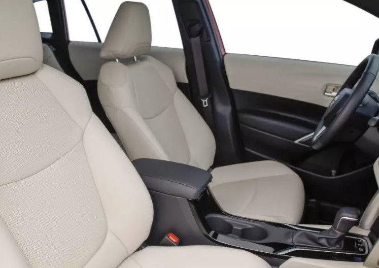 Новый Toyota Corolla Cross фото