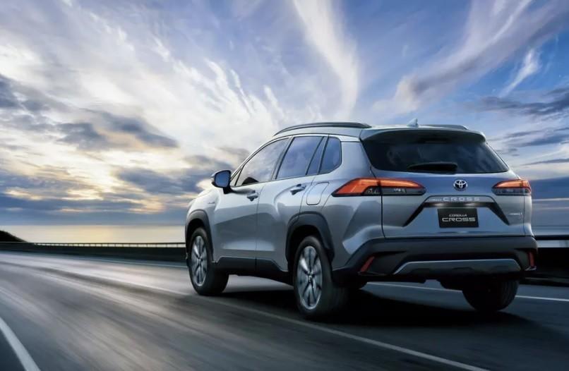 Новый внедорожникToyota Corolla Cross 2021 года цены