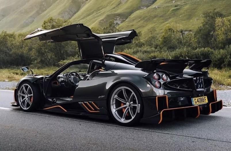 самый быстрый автомобиль Pagani Huayra 2021