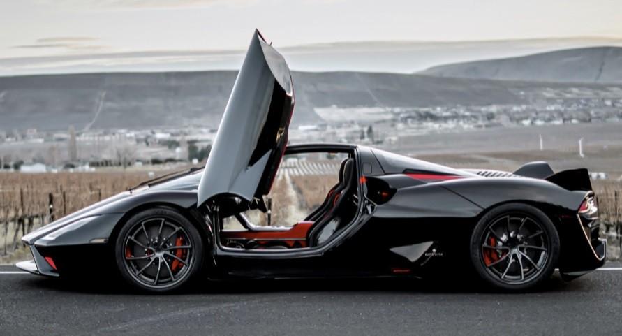 самый быстрый серийный легковой автомобиль в мире SSC Tuatara