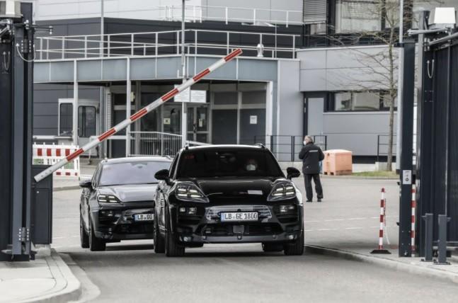 Новый Porsche Macan EV фото
