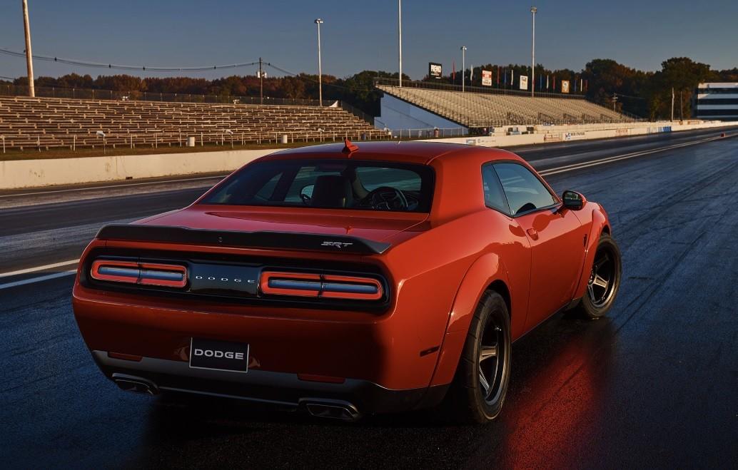Самая быстрая машина от 0 до 100 Dodge Challenger SRT Demon