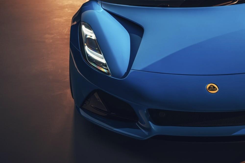 спорткар Lotus Emira 2021 цена