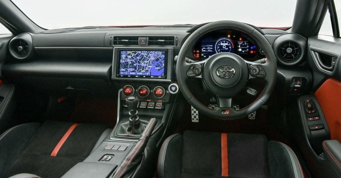 спорткар Toyota GR 86 2021 фото цена