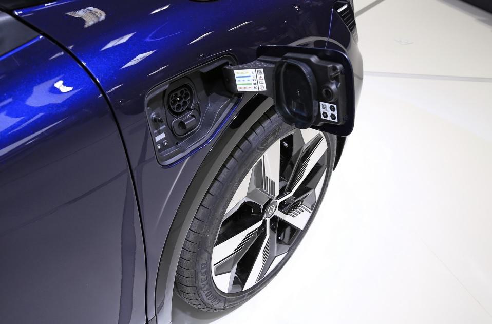 технические характеристики Рено Меган Е-тех электрик 2022